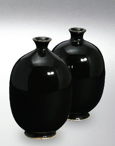 8254 Gloss Black